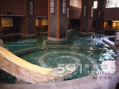 社區室內游泳池