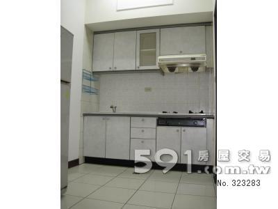 廚房:開放式、附冰箱全套廚具