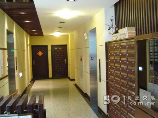 一樓管理室門廳