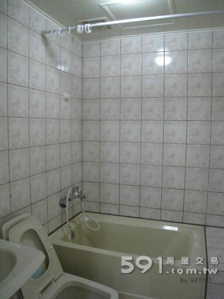 乾淨寬敞衛浴