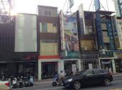 黃金店面大統百貨正對面廣告效益佳捷運站旁
